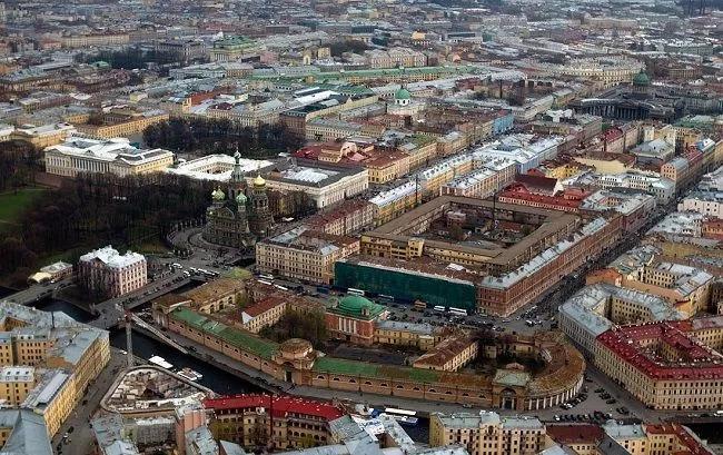 В Санкт-Петербурге и Москве не так уж много эксклюзивных объектов: они всегда будут в цене