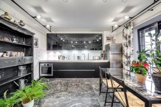 При выборе «подарочной» квартиры большое значение имеет отделка, ведь подарок должен быть красивым. Квартира на Варшавской ул.