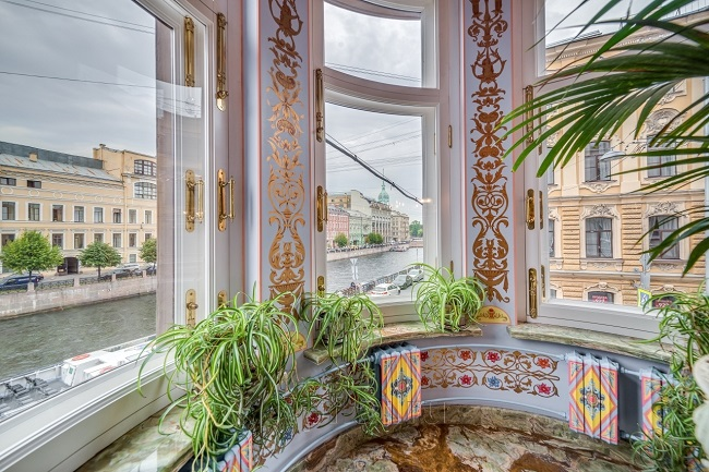 Сколько памятников элитные в санкт петербурге купить памятник в москве недорогой донской