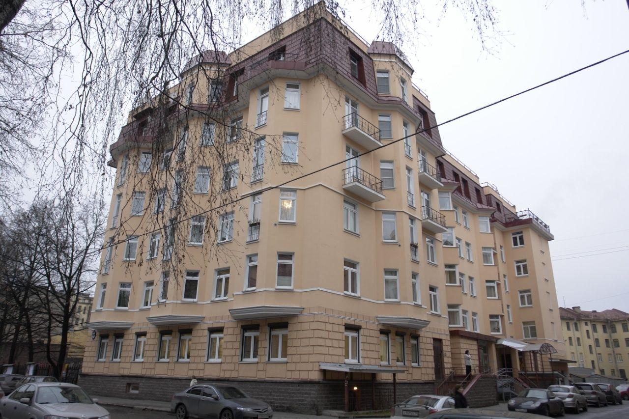 Продажа элитных квартир Санкт-Петербурга.    Вид на дом