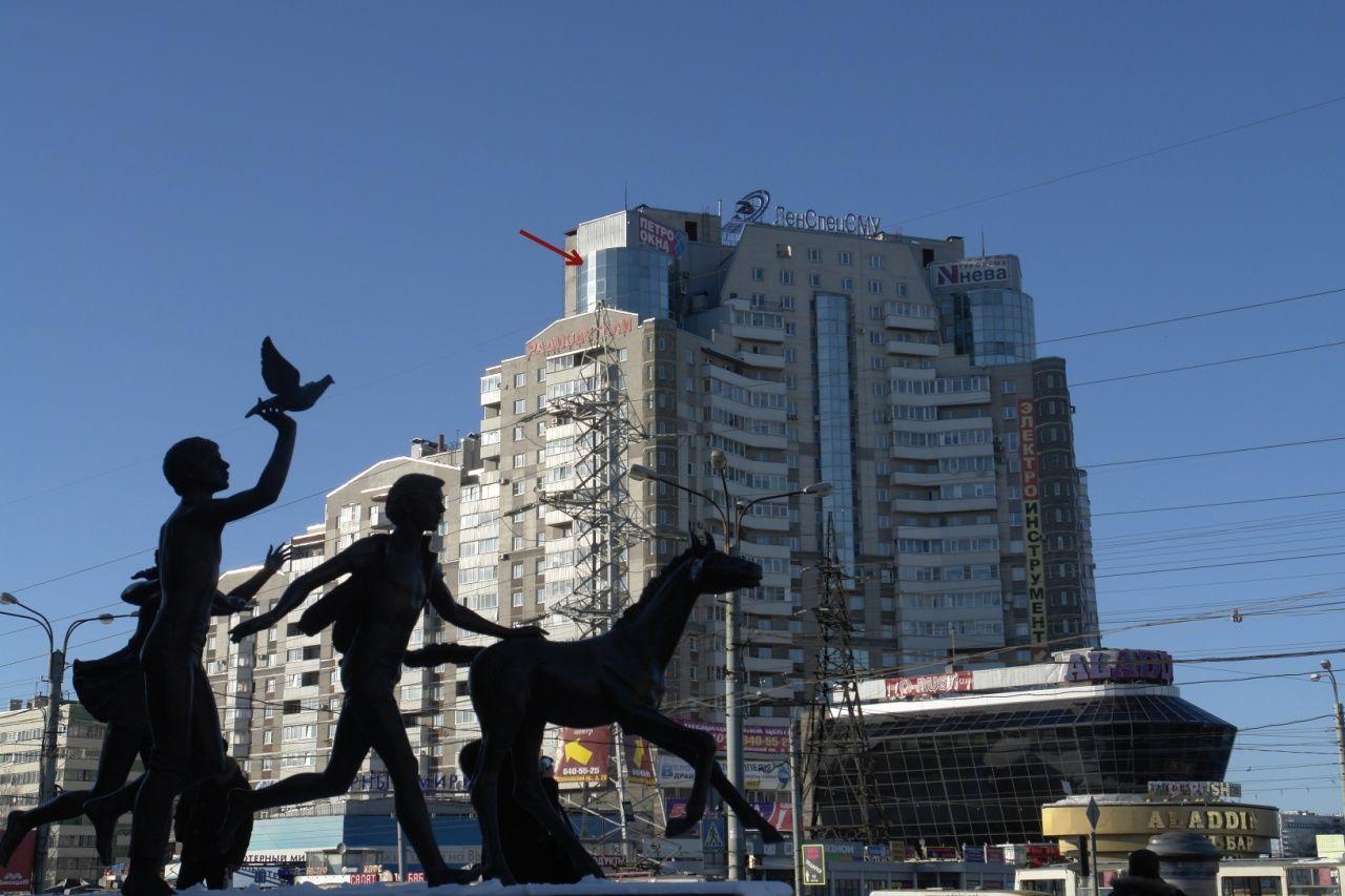 Продажа элитных квартир Санкт-Петербурга.  Солнечная квартира в башне