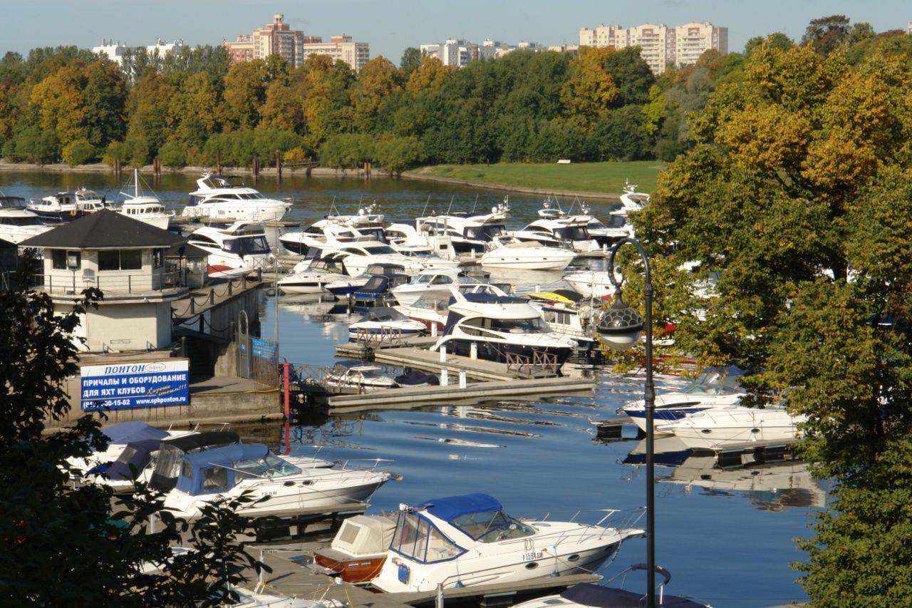 Продажа элитных квартир Санкт-Петербурга.  Рядом яхт-клуб