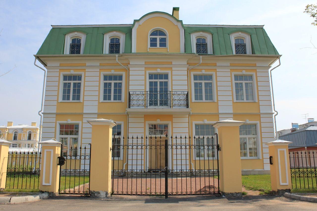 Продажа элитных квартир Санкт-Петербурга.    Дворец Новый Марли