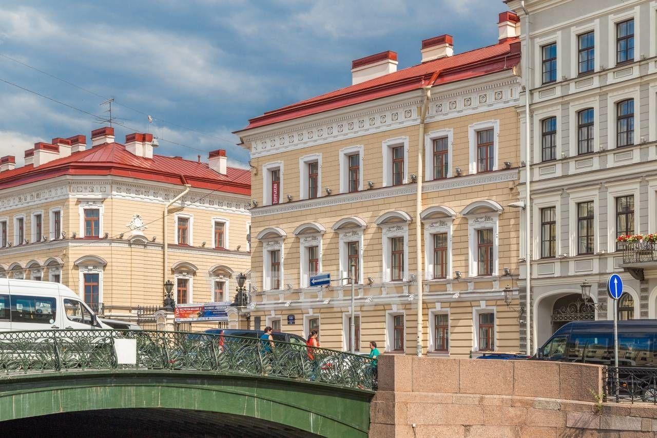 Продажа элитных квартир Санкт-Петербурга. Мойки реки наб., 22а Вид на дом