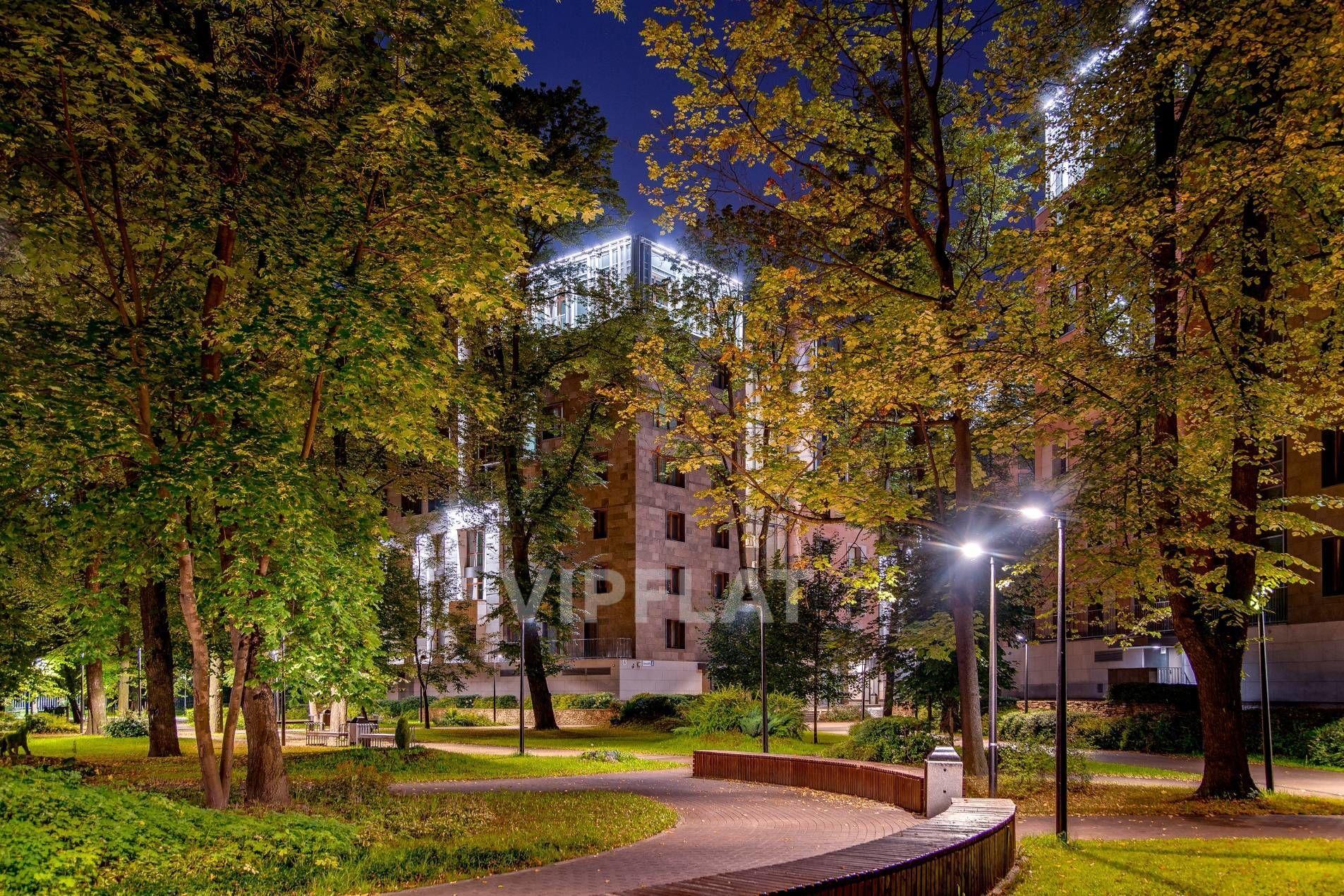 Продажа элитных квартир Санкт-Петербурга. «Смольный парк» Смольного ул., 4  Парк на территории комплекса