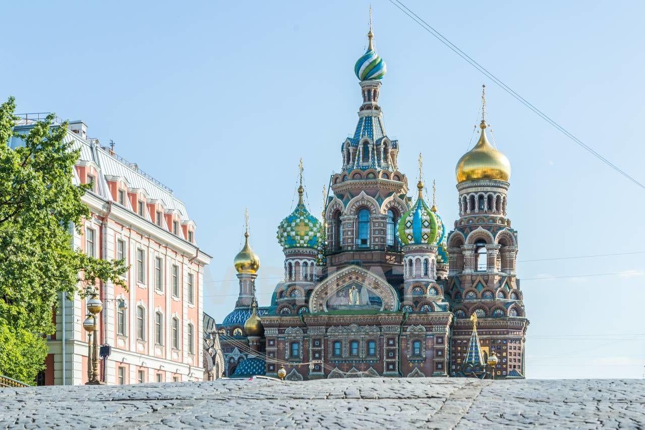 Продажа элитных квартир Санкт-Петербурга.  Мойки реки наб., 3  В двух шагах