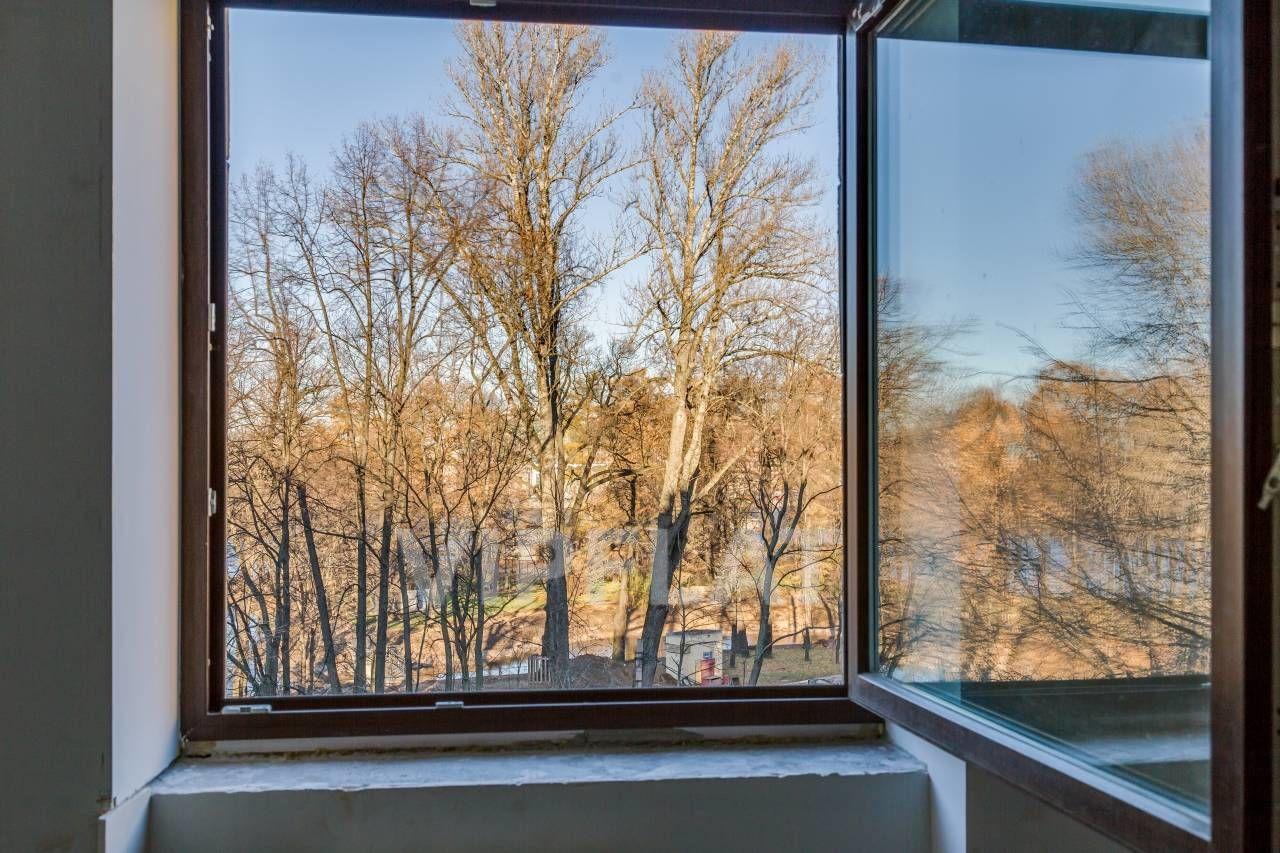 Продажа элитных квартир Санкт-Петербурга. Академика Павлова ул., 16Б Окна на уровне крон деревьев