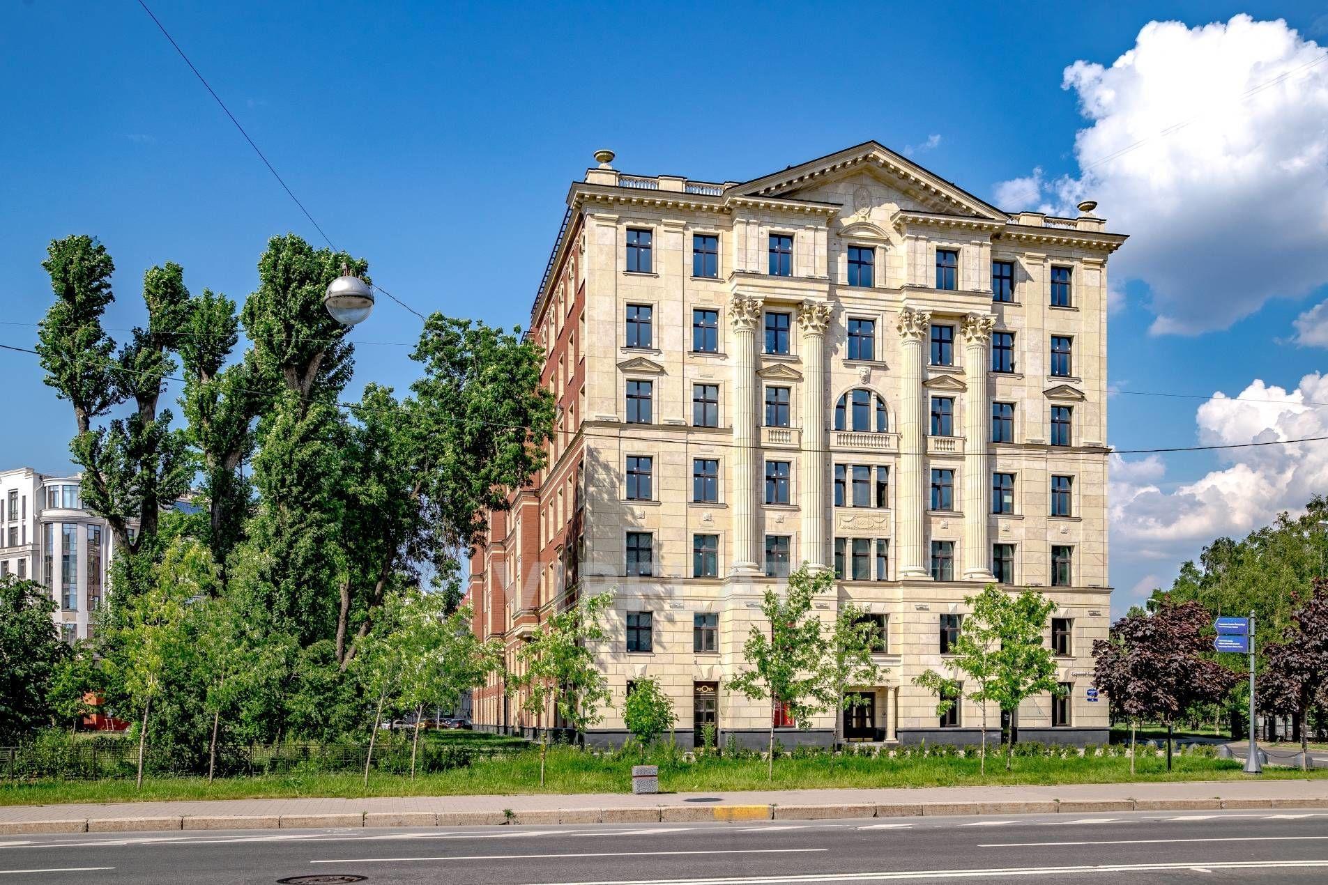 Продажа элитных квартир Санкт-Петербурга. Морской пр., 29 Вид на дом