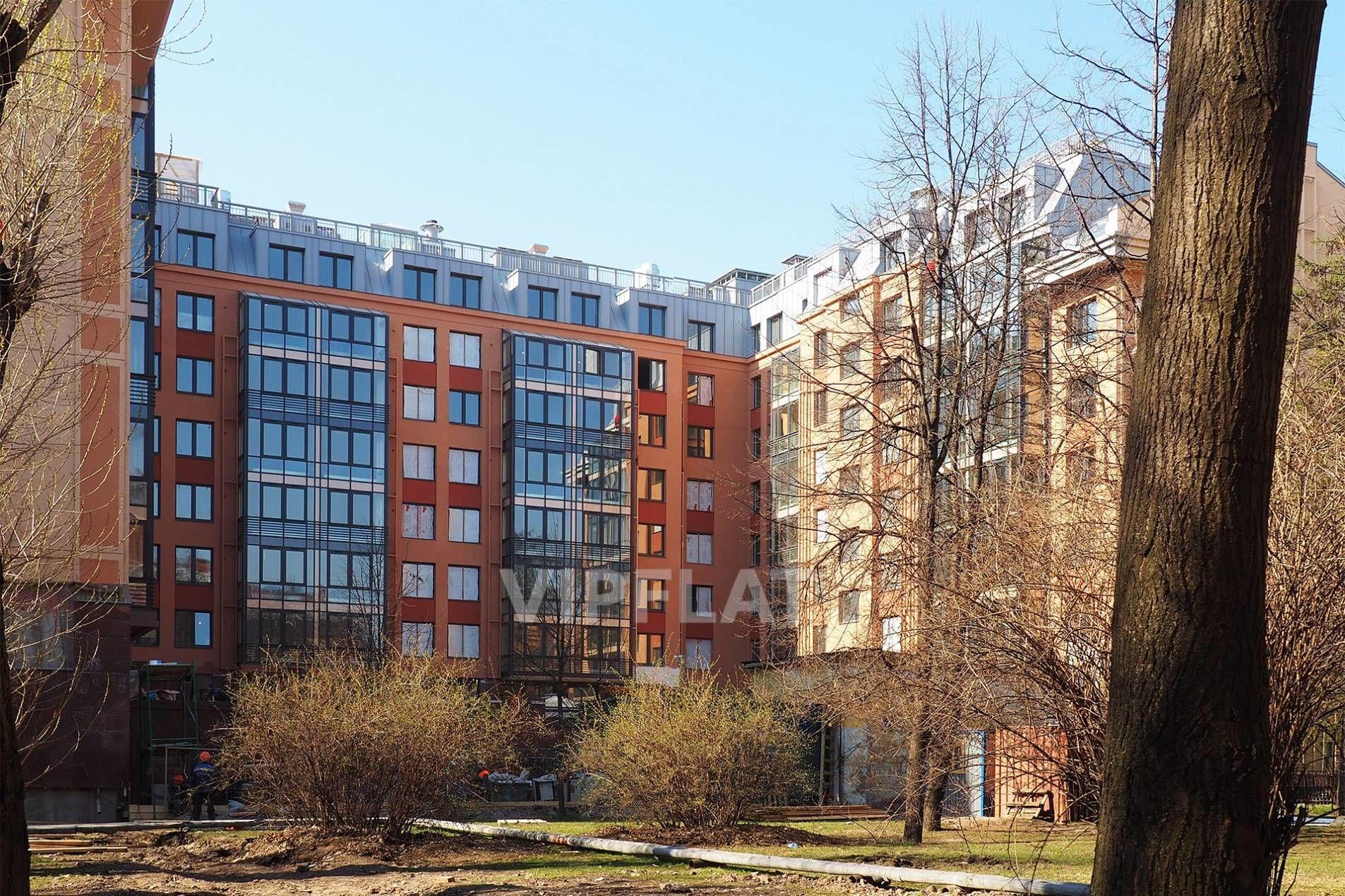 Продажа элитных квартир Санкт-Петербурга. 2-я Советская ул., 4 Зеленый закрытый двор