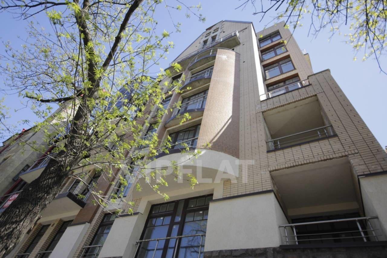 Продажа элитных квартир Санкт-Петербурга.  4-я линия В.О., 41  Фасад здания