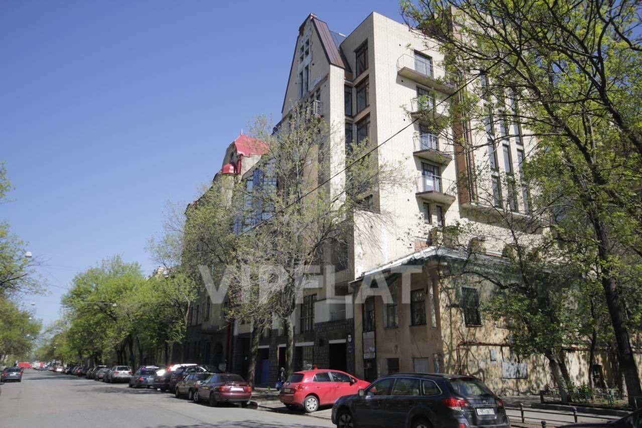 Продажа элитных квартир Санкт-Петербурга. 4-я линия В.О., 41 Вид на дом в сторону Малого пр.