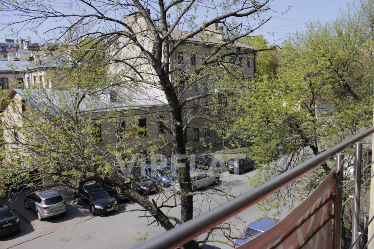 Продажа элитных квартир Санкт-Петербурга.  4-я линия В.О., 41  Вид с балкона