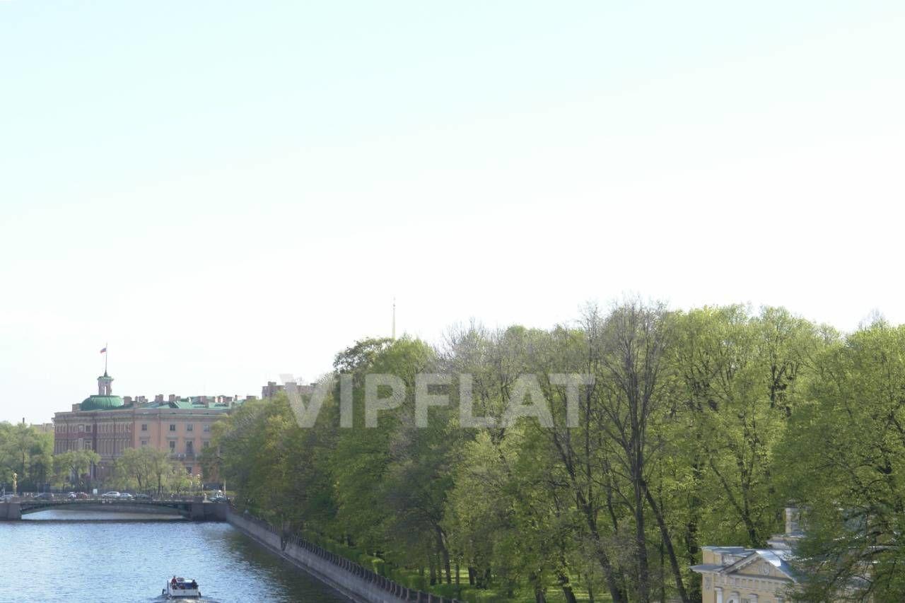 Продажа элитных квартир Санкт-Петербурга. наб. Фонтанки  2 Если немного высунуться из окна, то виден Инженерный замок ))