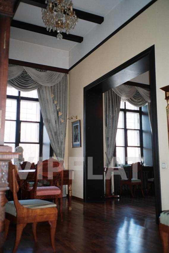 Продажа элитных квартир Санкт-Петербурга. наб. Фонтанки  2 Высокие окна и потолки