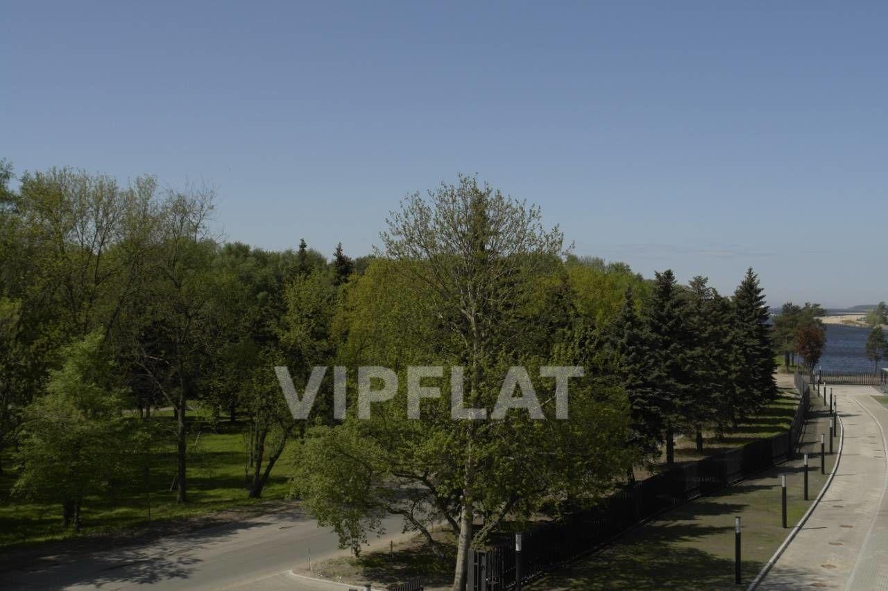 Продажа элитных квартир Санкт-Петербурга. Мартынова наб. 74 к. Г Вид из окон на парк