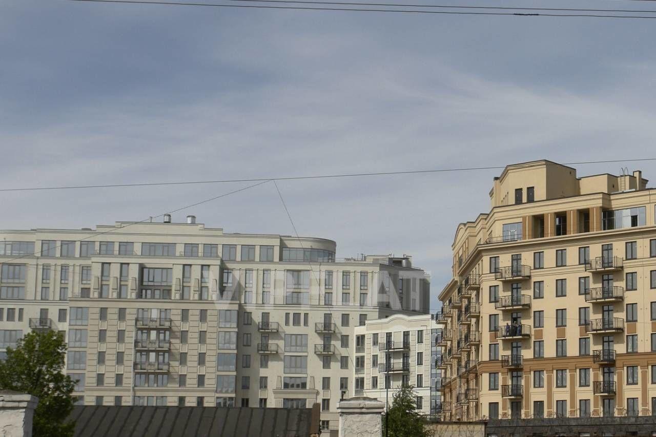 Продажа элитных квартир Санкт-Петербурга. Парадная 1 к. 3 Вид на 3 и 2 корпус
