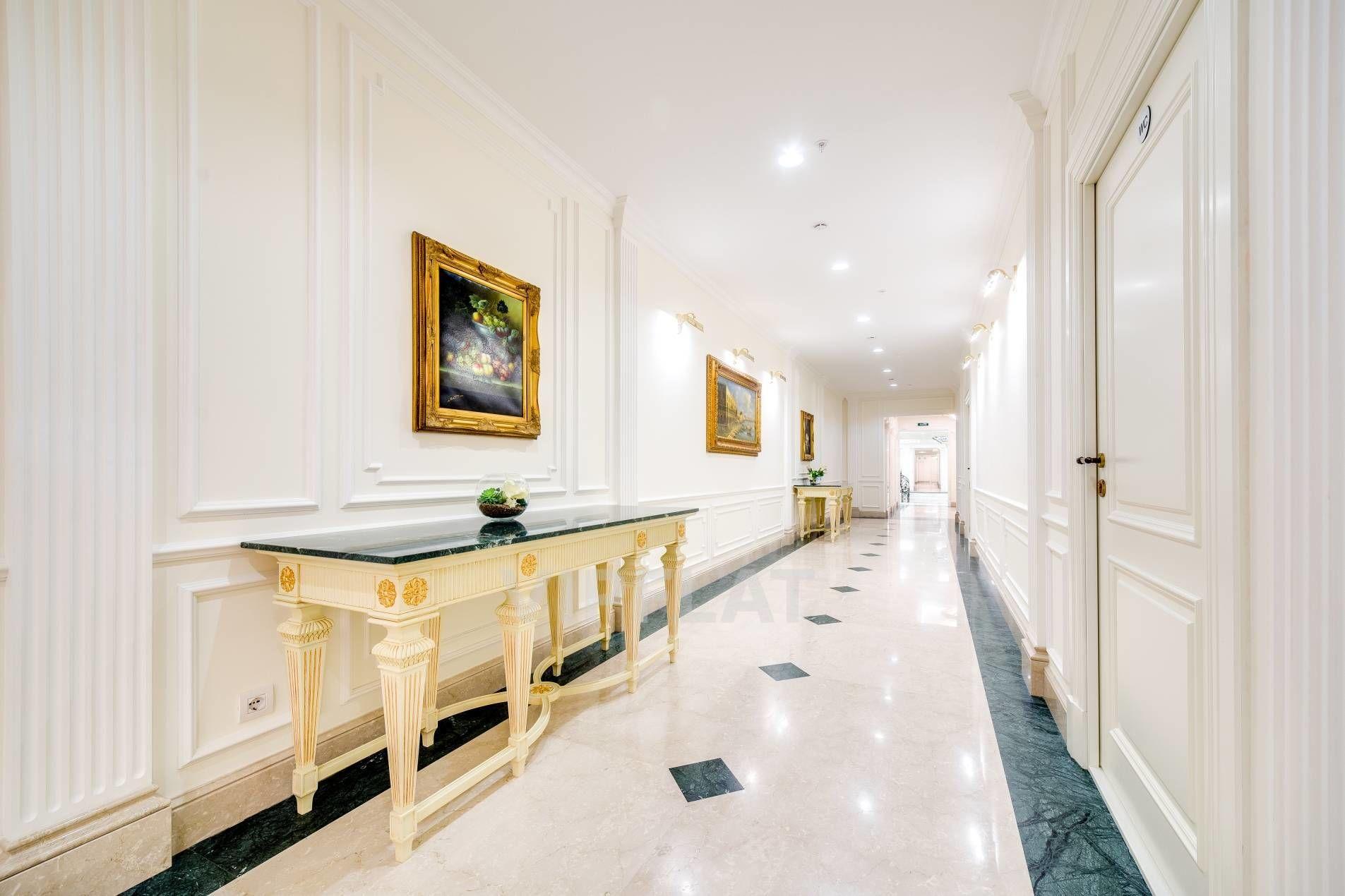 Продажа элитных квартир Санкт-Петербурга. Фонтанки наб., 76, лит. А Светлые холлы
