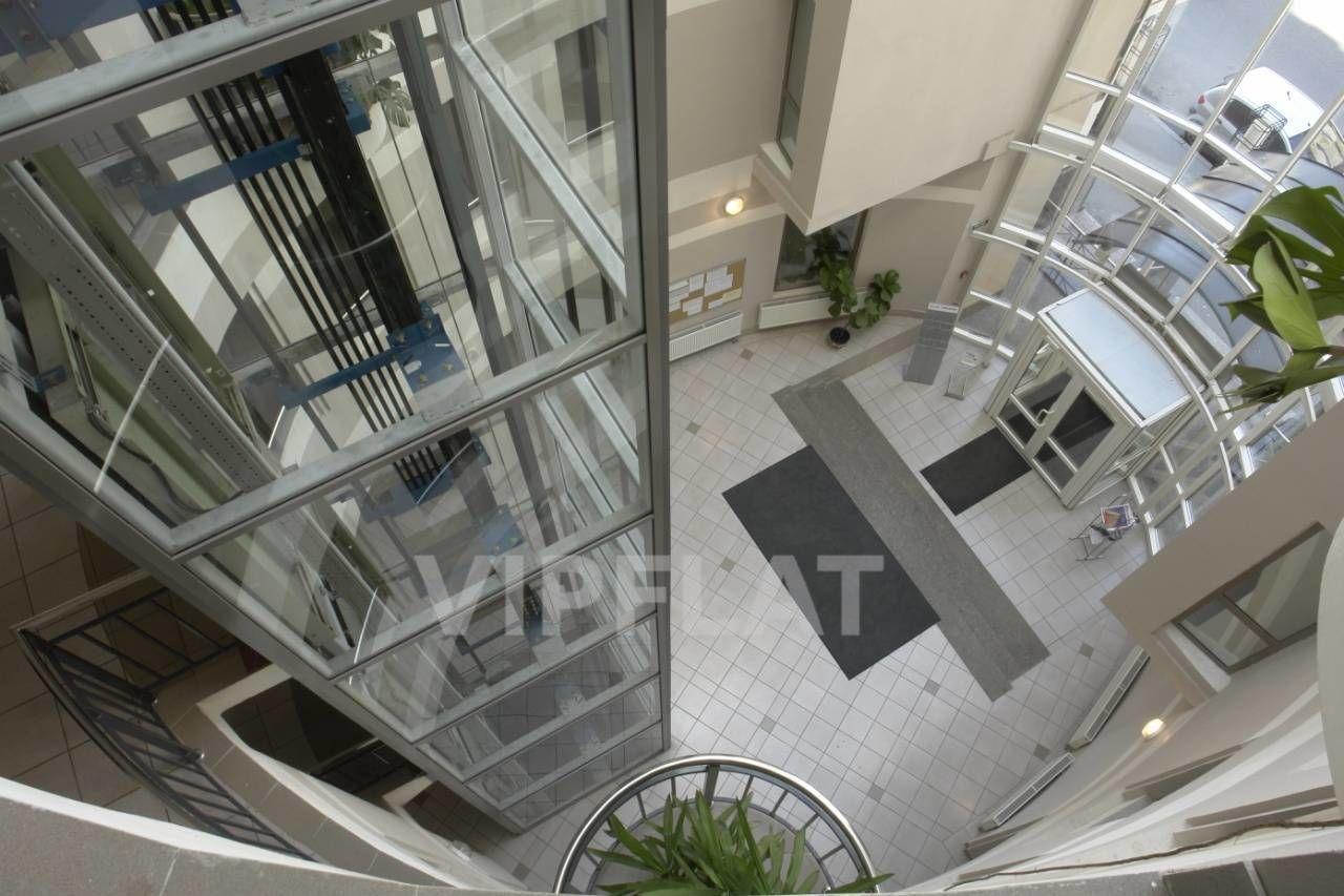 Продажа элитных квартир Санкт-Петербурга.  Конная ул. 14  Парадная