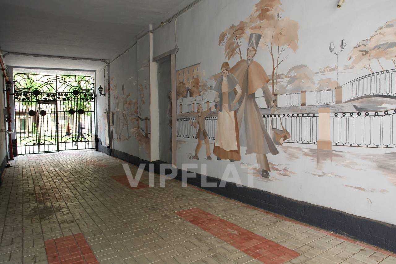 Продажа элитных квартир Санкт-Петербурга. 7 линия, 34 Проход в охраняемый двор