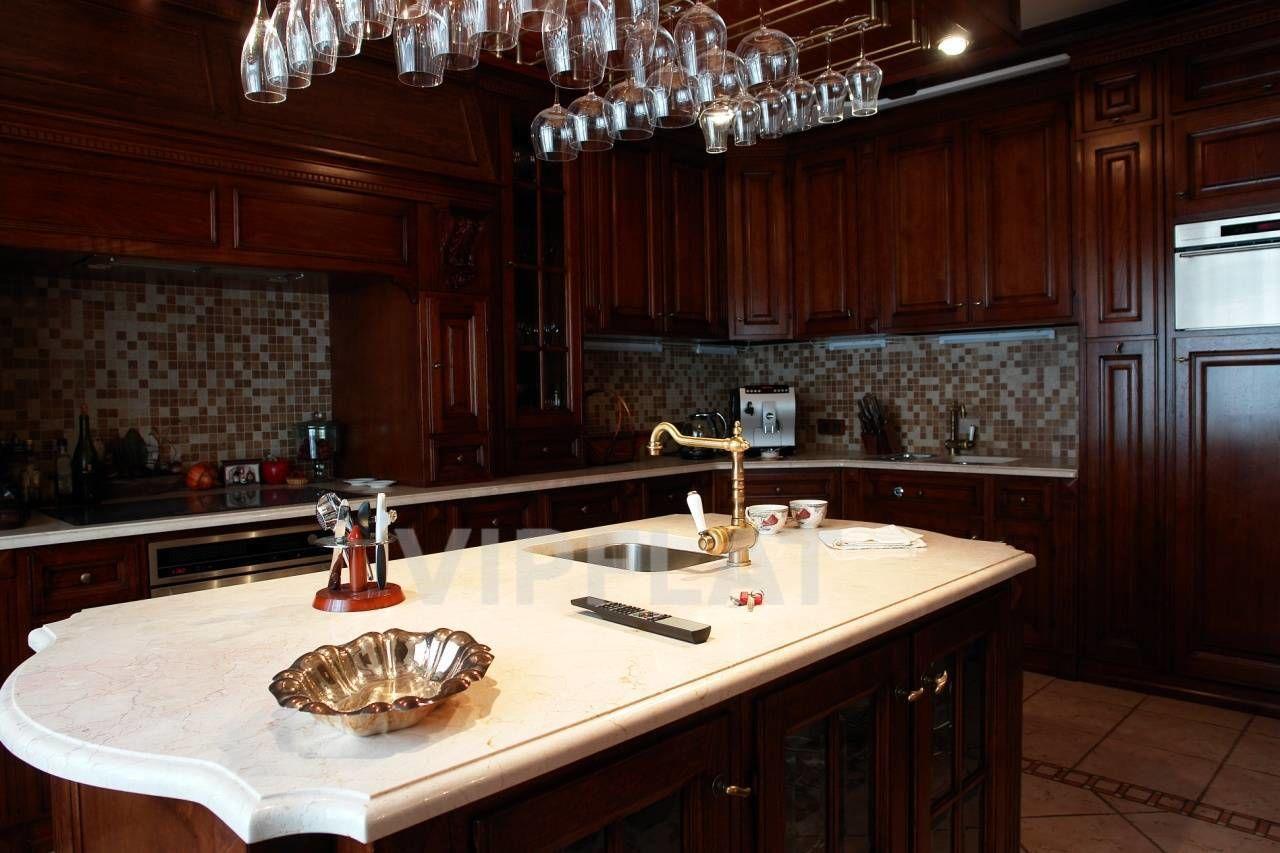 Продажа элитных квартир Санкт-Петербурга. 7 линия, 34 Встроенная кухня