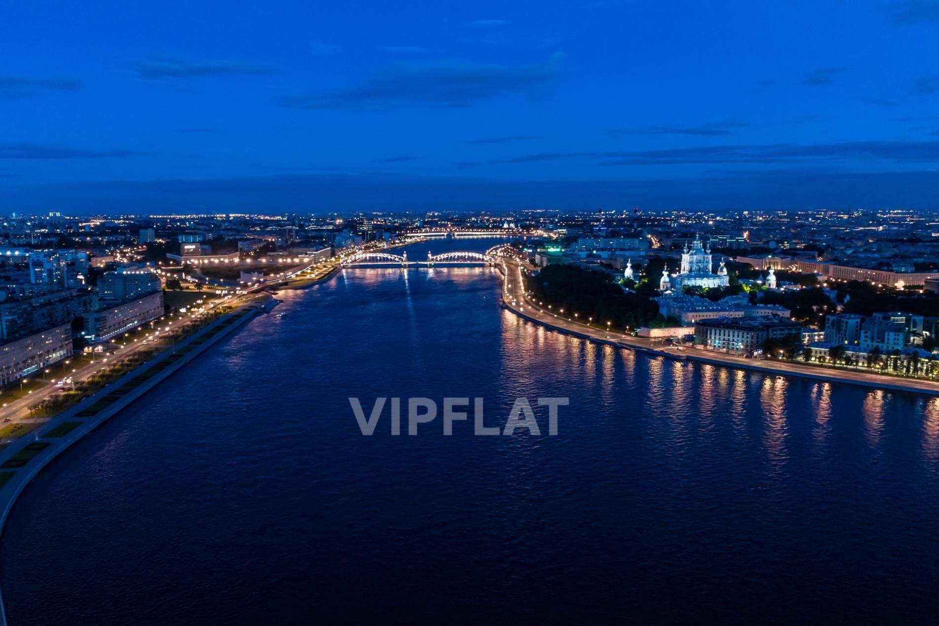 Продажа элитных квартир Санкт-Петербурга. Пискаревский пр., 1 Ночная панорама Невы
