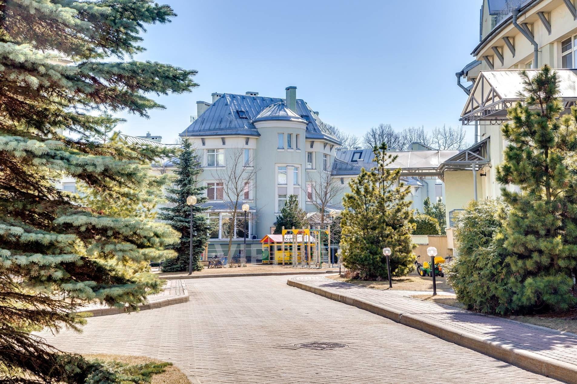 Продажа элитных квартир Санкт-Петербурга. Константиновский пр., 26 Уютный двор