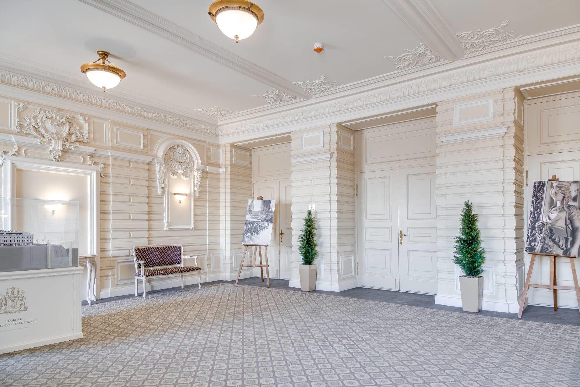 Продажа элитных квартир Санкт-Петербурга. Кутузова наб., 24 Парадный холл