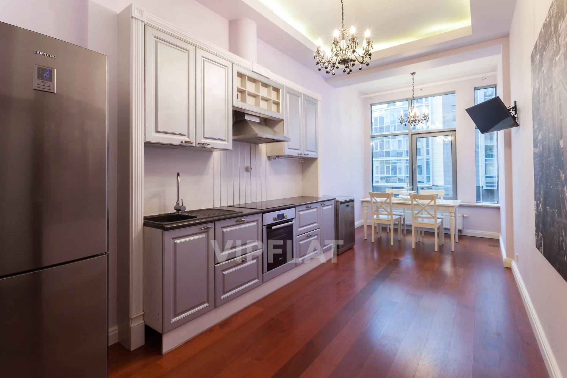 Продажа элитных квартир Санкт-Петербурга. Вязовая ул., 10 Удобная кухня-столовая