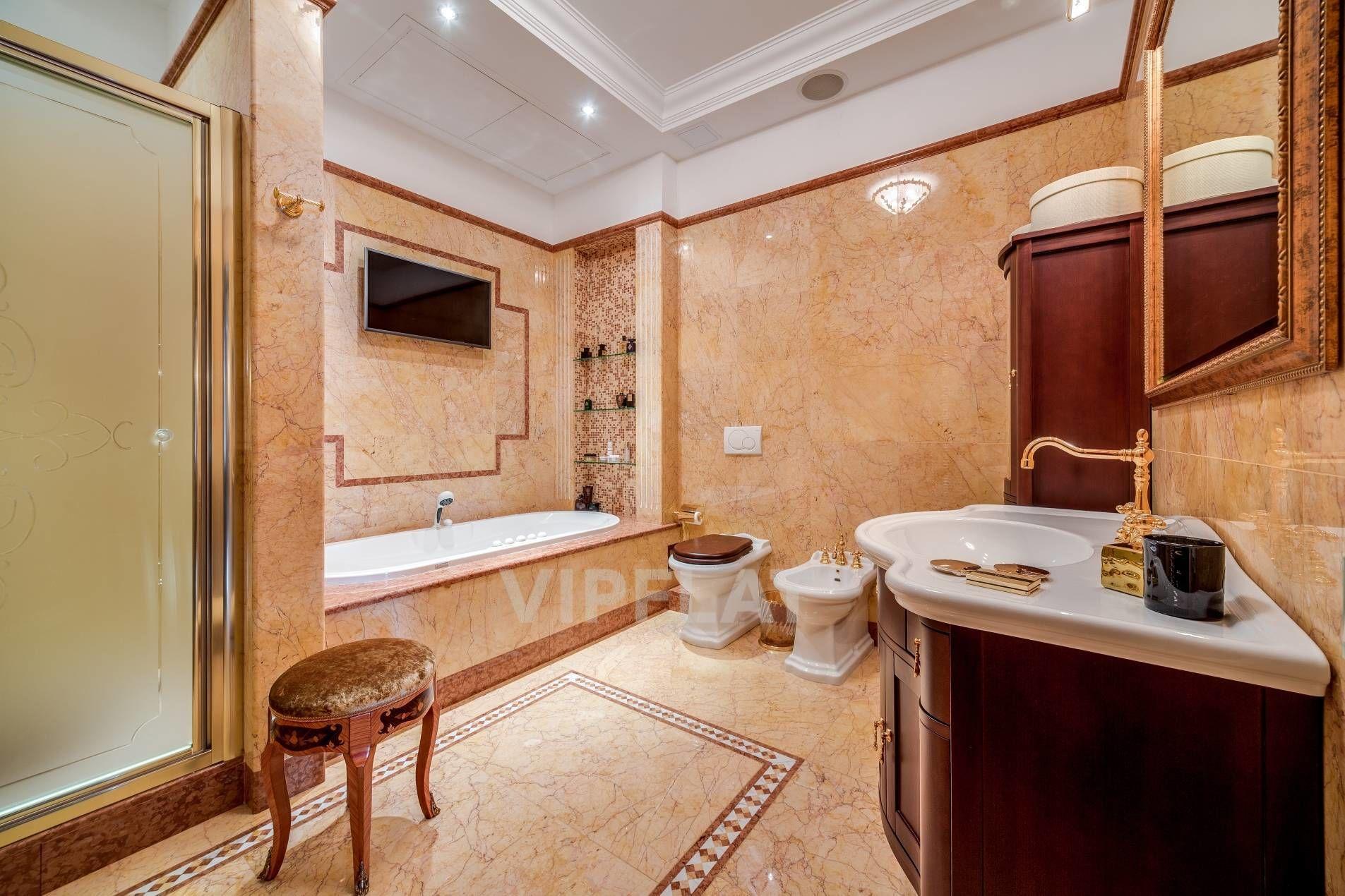 Продажа элитных квартир Санкт-Петербурга. Песочная наб., 12 Просторная ванная комната
