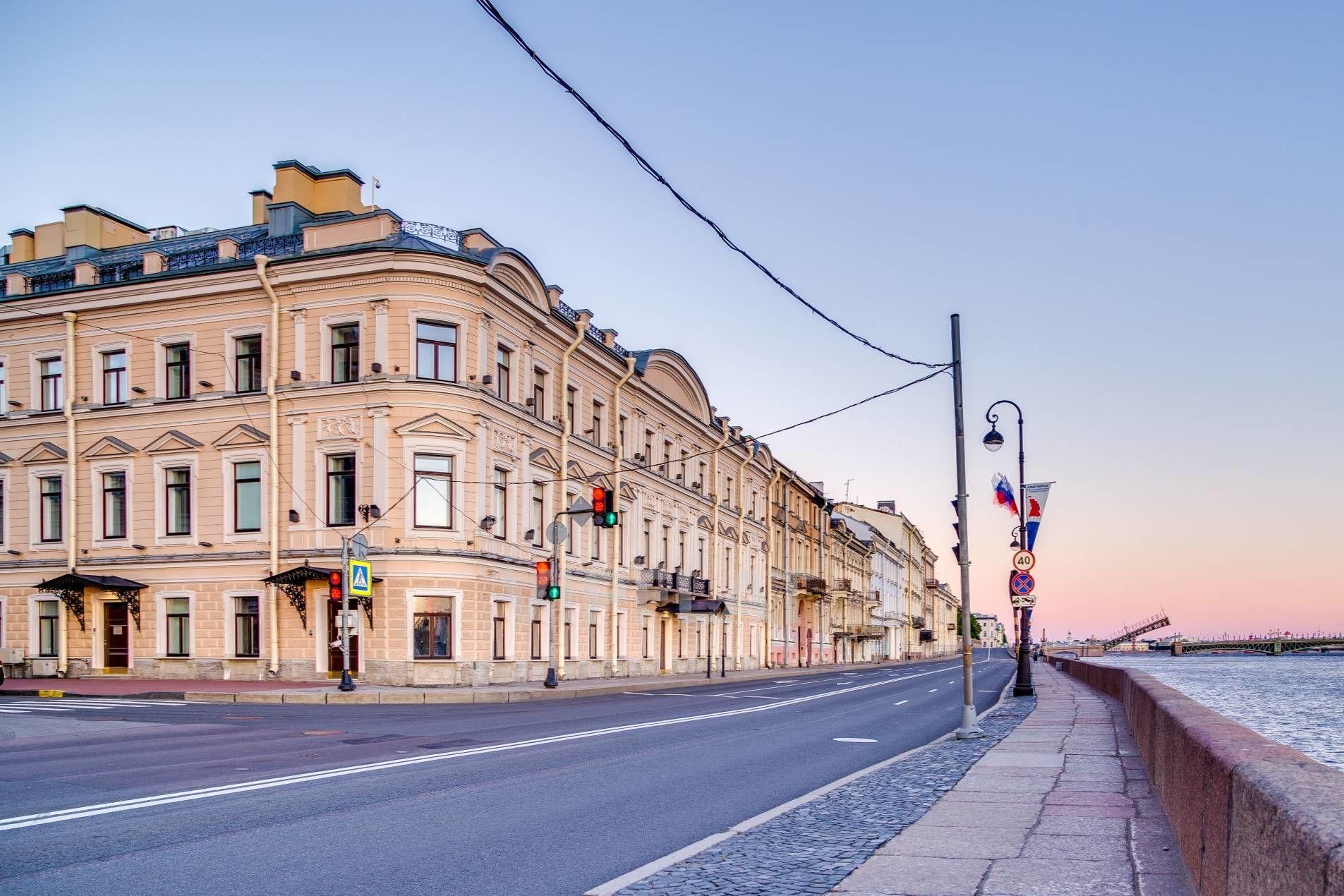 Продажа элитных квартир Санкт-Петербурга. Кутузова наб., 24 Старинный особняк на набережной