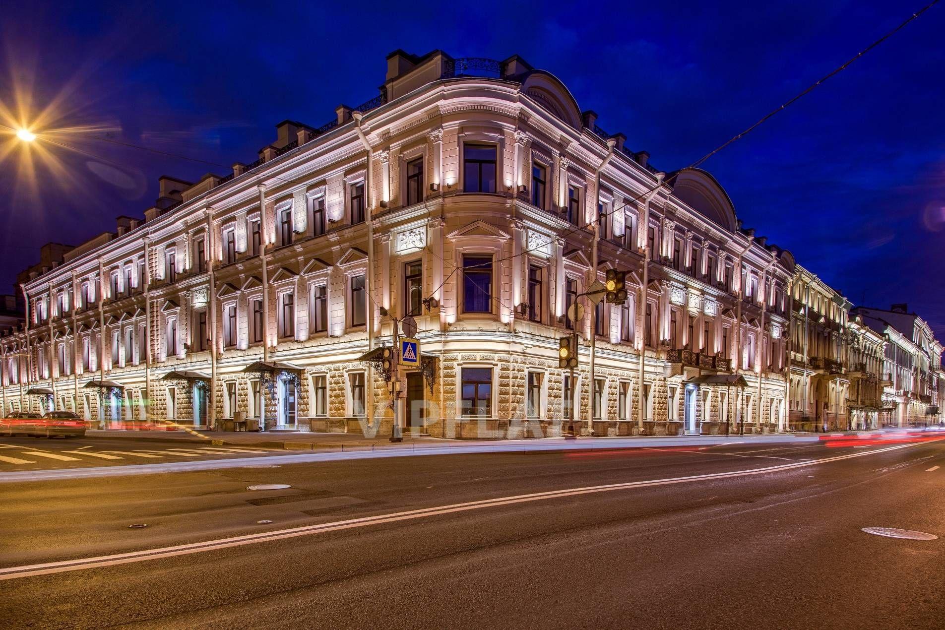 Продажа элитных квартир Санкт-Петербурга. Кутузова наб., 24 Вечерняя подсветка особняка
