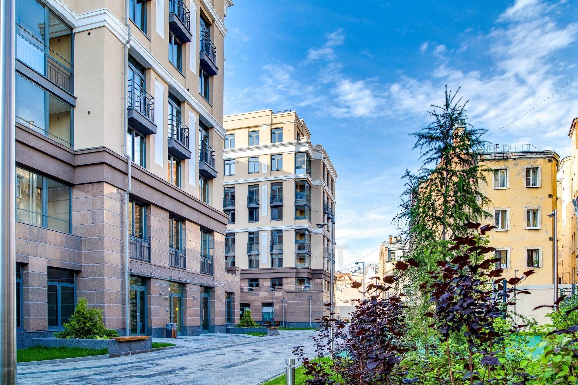 Продажа элитных квартир Санкт-Петербурга. Полтавская ул., 7 Тихий закрытый двор