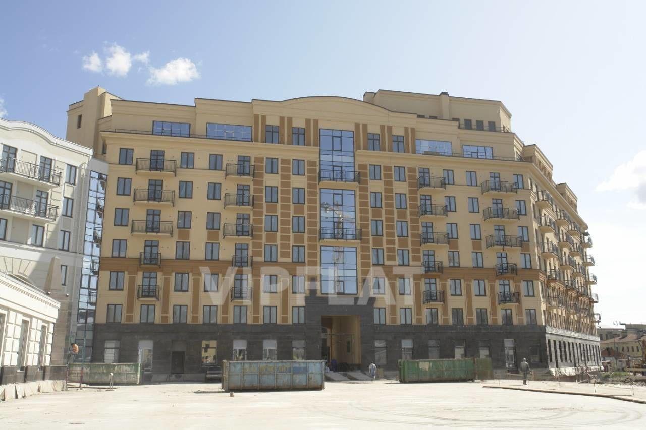Продажа элитных квартир Санкт-Петербурга. Парадная  1 к. 2 Фасад корпуса