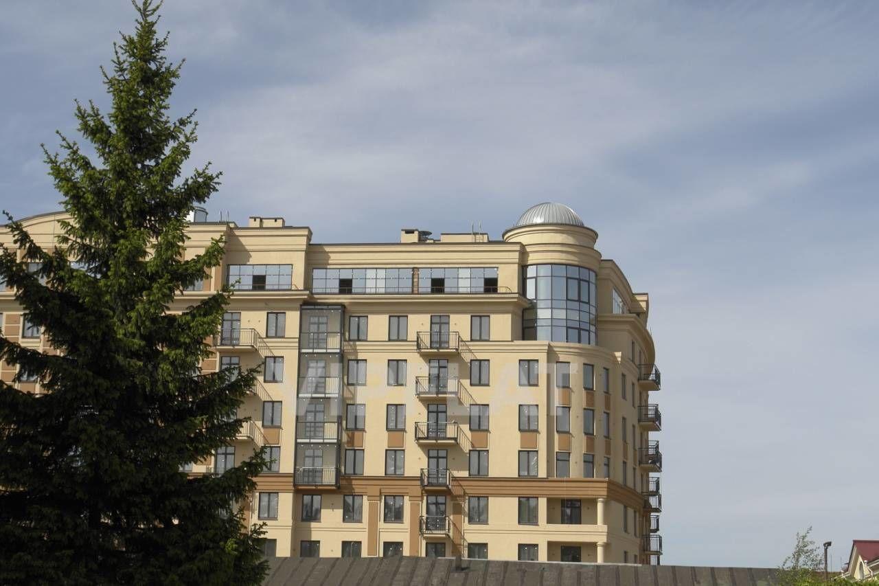 Продажа элитных квартир Санкт-Петербурга. Парадная  1 к. 2 Вид на корпус