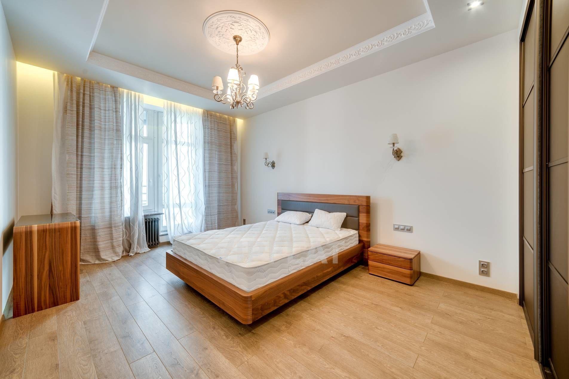 Продажа элитных квартир Санкт-Петербурга. Кирочная улица, 64 Одна из спален