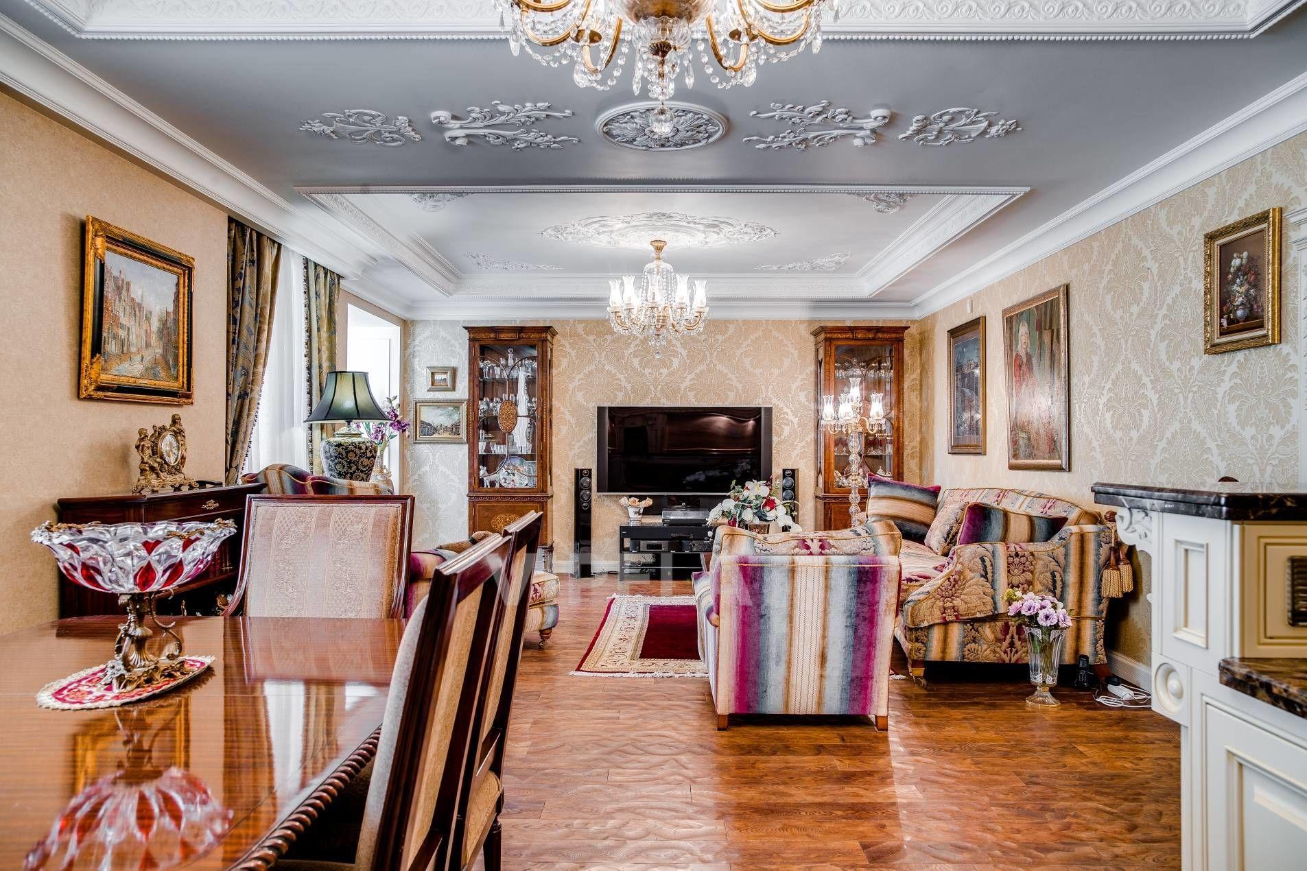 Продажа элитных квартир Санкт-Петербурга. Фрунзе ул., 19 к. 2 В гостиной много воздуха и света