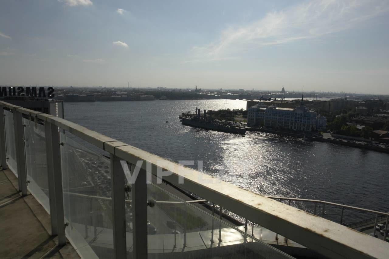 Продажа элитных квартир Санкт-Петербурга. Оренбургская ул., 2 На балконе