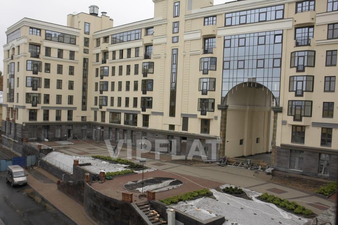 Продажа элитных квартир Санкт-Петербурга. Парадная улица к. 1 Территория комплекса