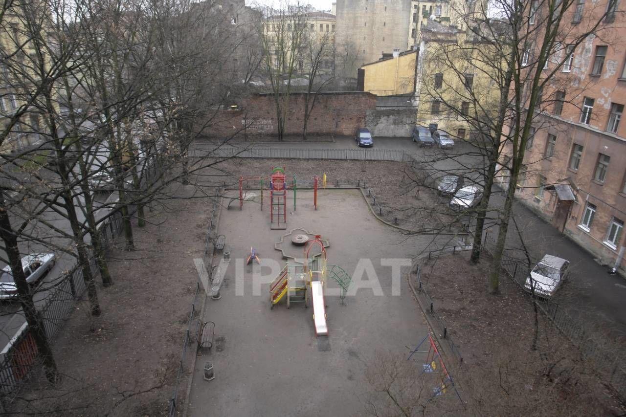 Продажа элитных квартир Санкт-Петербурга. Маркина, 16 Вид из окна