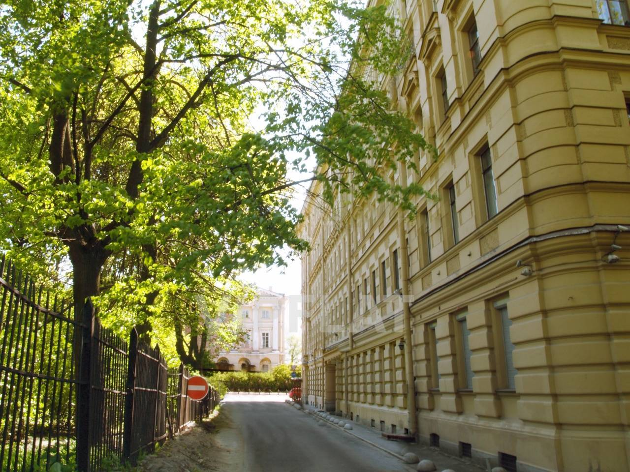 Продажа элитных квартир Санкт-Петербурга. Смольный пр., 6 Проезд вдоль дома