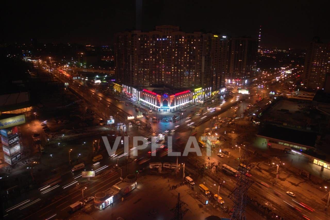 Продажа элитных квартир Санкт-Петербурга. Коломяжский пр., 26 Ночной вид из окон