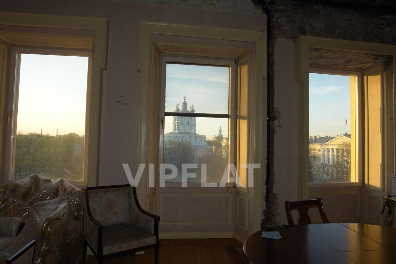 Продажа элитных квартир Санкт-Петербурга. Смольный пр., 6 Вот такой вид из окон. Ремонт в квартире был сделан 10 лет назад