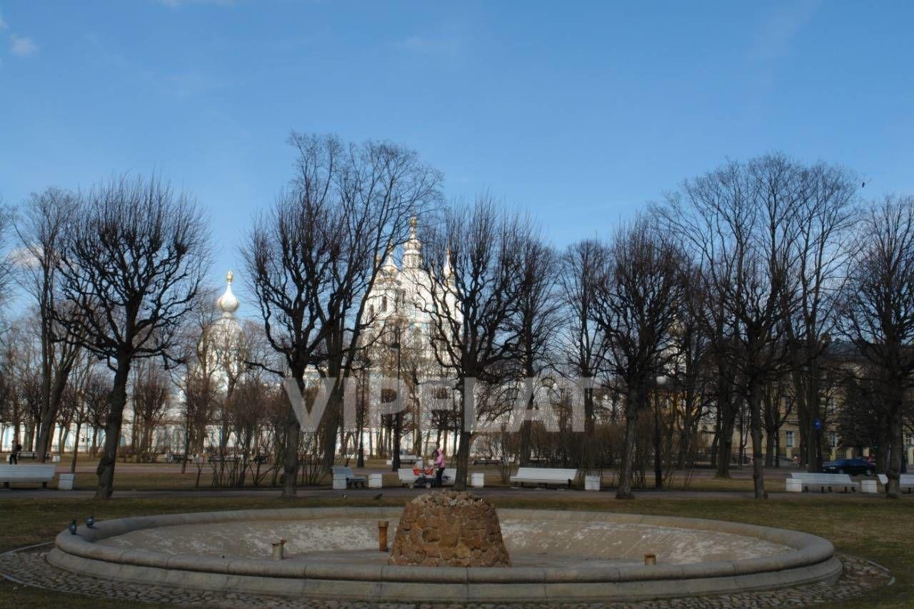 Продажа элитных квартир Санкт-Петербурга. Смольный пр., 6 Парк Смольного. Осень