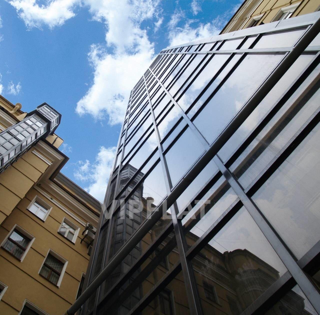 Продажа элитных квартир Санкт-Петербурга. Смольный пр., 6 Новый идивидуальный лифт с ключом