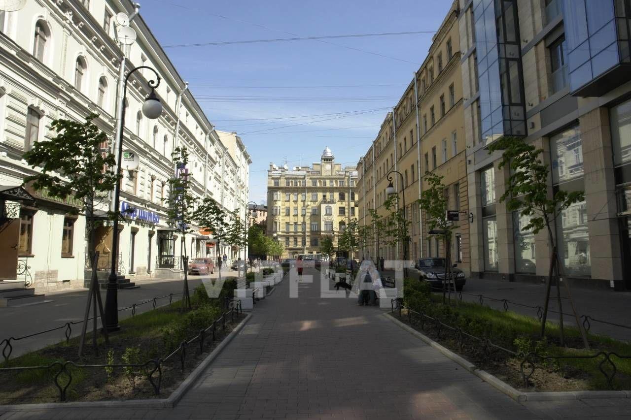 Продажа элитных квартир Санкт-Петербурга. Невский проспект, 152 Пешеходная улица, на которую выходит часть окон квартиры