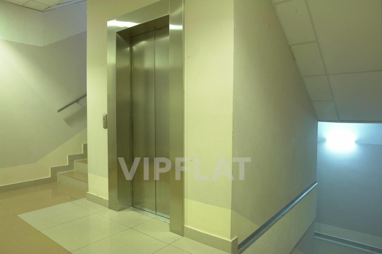 Продажа элитных квартир Санкт-Петербурга. Воскресенская  наб., 4 Парадная
