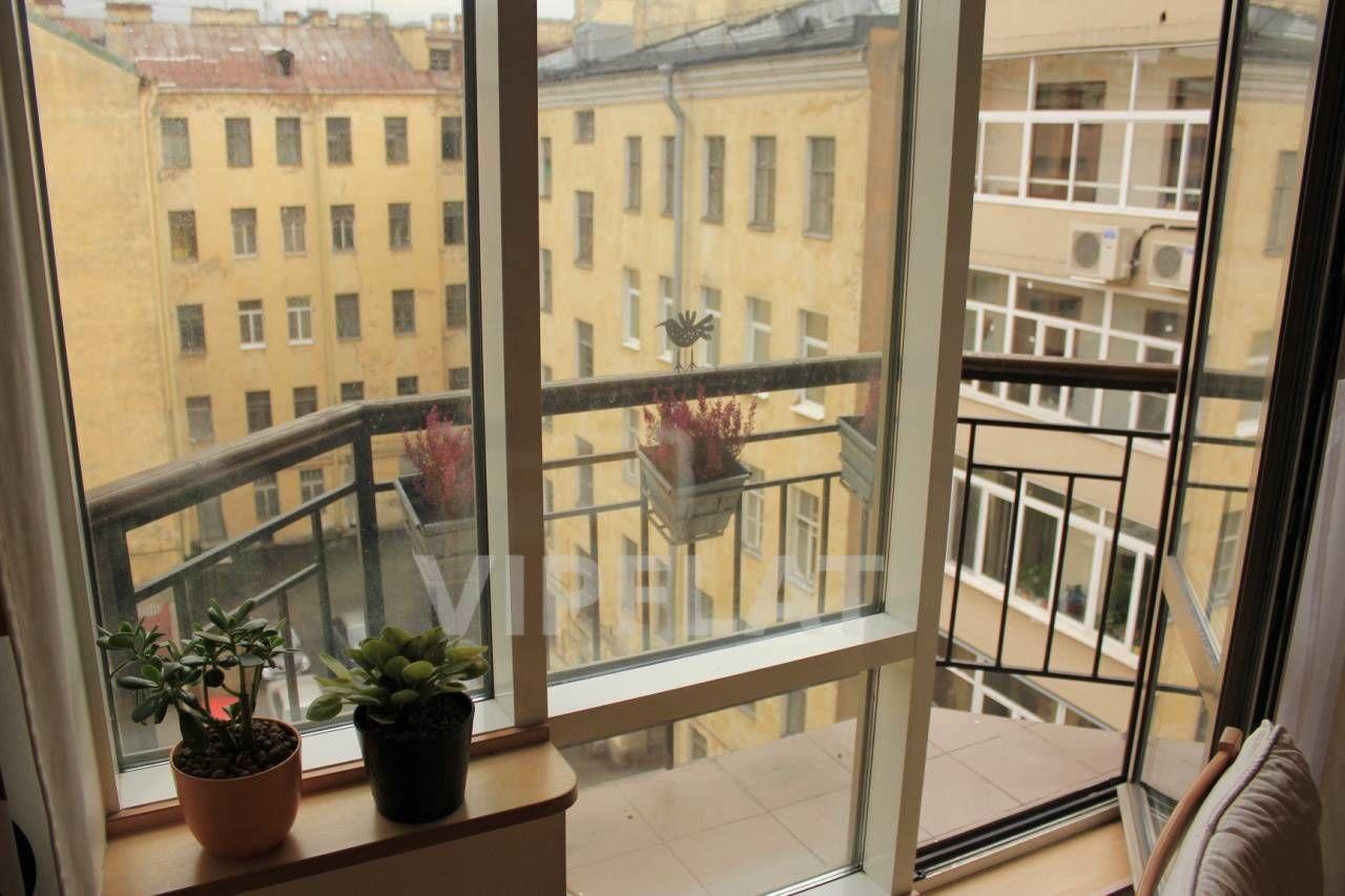 Продажа элитных квартир Санкт-Петербурга. Конная ул., 14 Балкон в гостиной