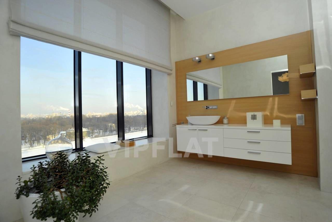 Продажа элитных квартир Санкт-Петербурга. Песочная наб., 12 Ванная комната с панорамными окнами