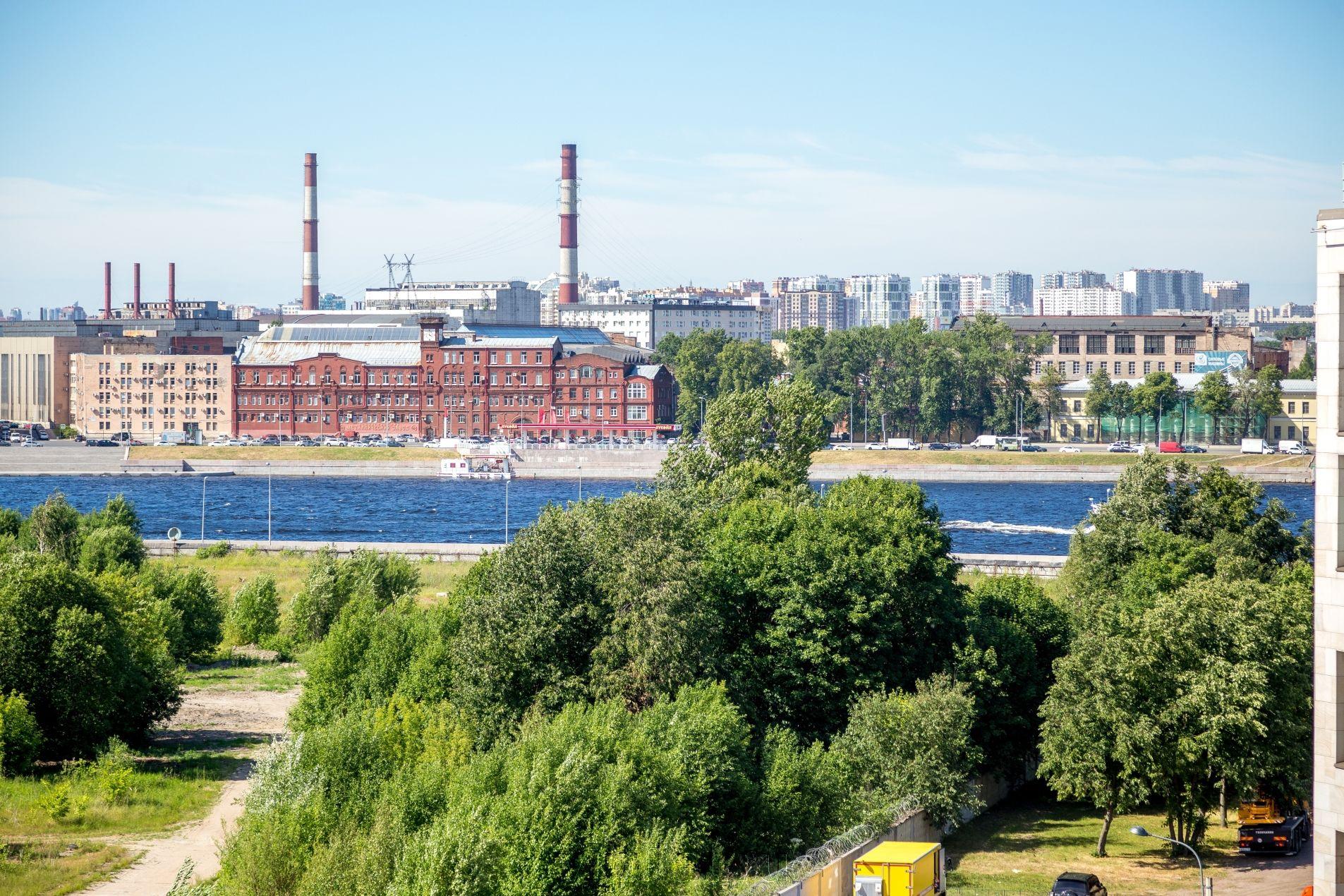 Продажа элитных квартир Санкт-Петербурга. Орловская ул, 1 Нева видна из окон