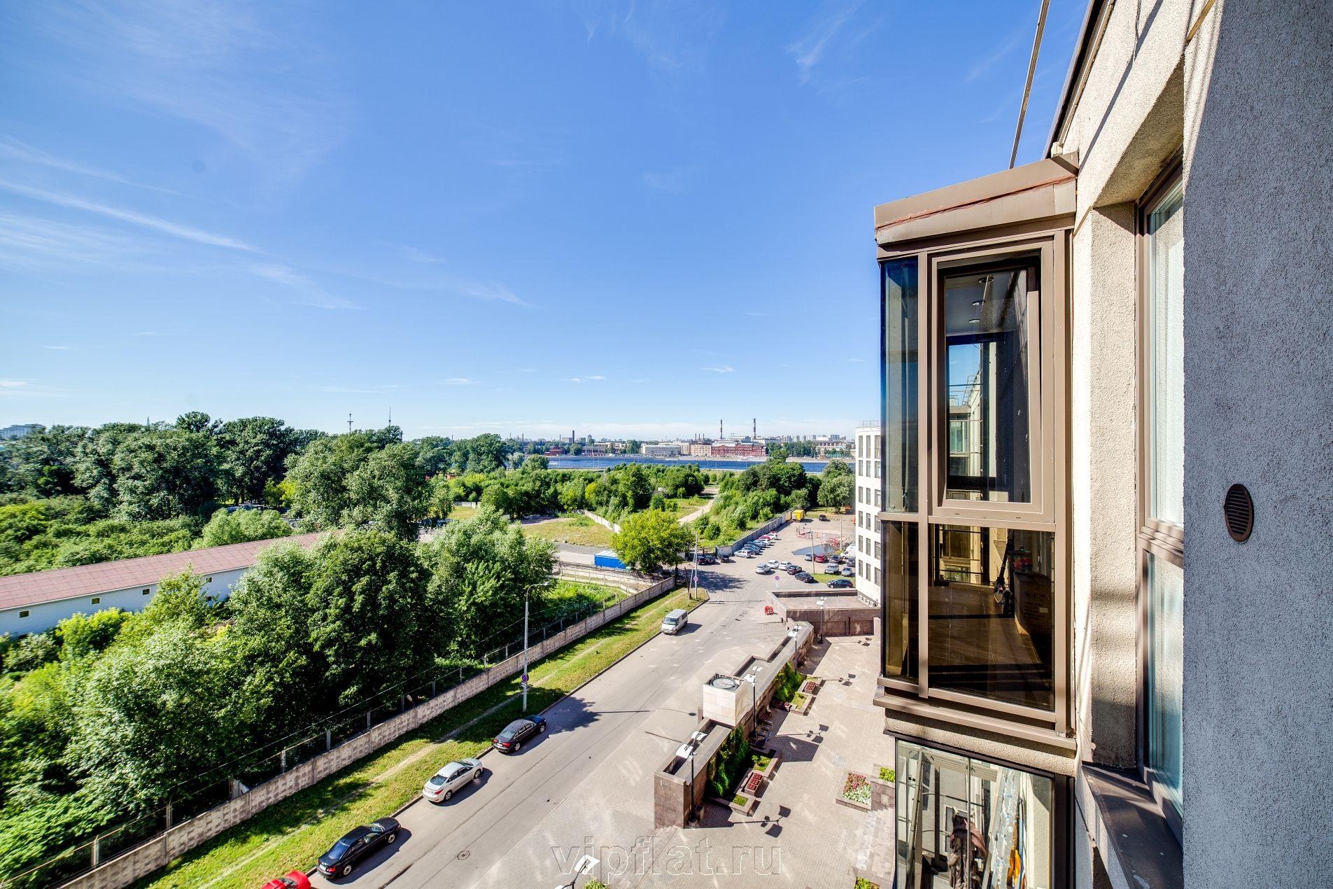 Продажа элитных квартир Санкт-Петербурга. Орловская ул, 1 Вид из окон на Неву